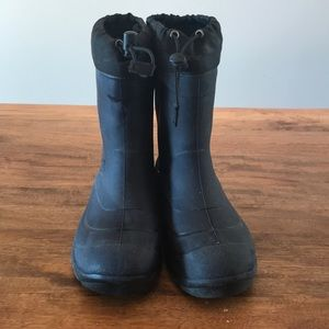 Kamik kids winter boots size 5